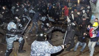Ukrainian riot police cracking down on peaceful protesters