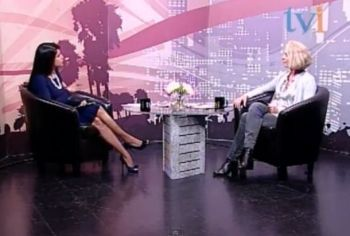 Manjula Selvarajah of <b>TVI</b>, interviews Beate Arnestad, who produced the film