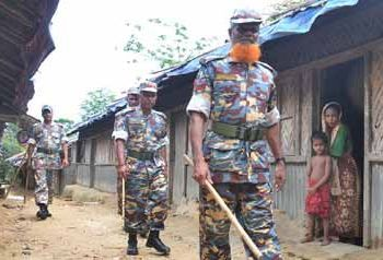 Buddhist soldiers on the hunt for Rohingya Muslims