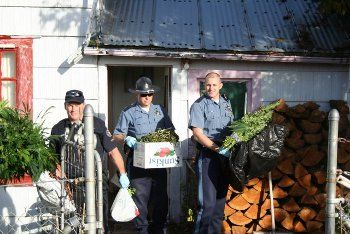 OSP TROOPERS INVESTIGATING DEER POACHING FIND MARIJUANA GROW IN HOUSE IN GRANT COUNTY