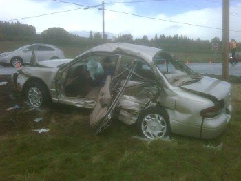 Wrecked nissan highway 99 near sherwood